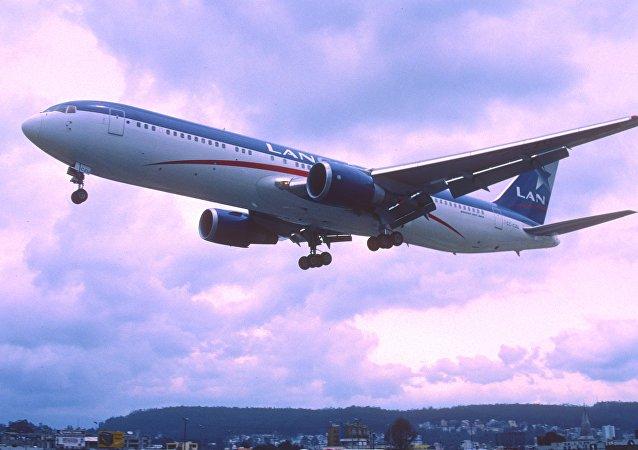 Un avión de la empresa chilena LAN