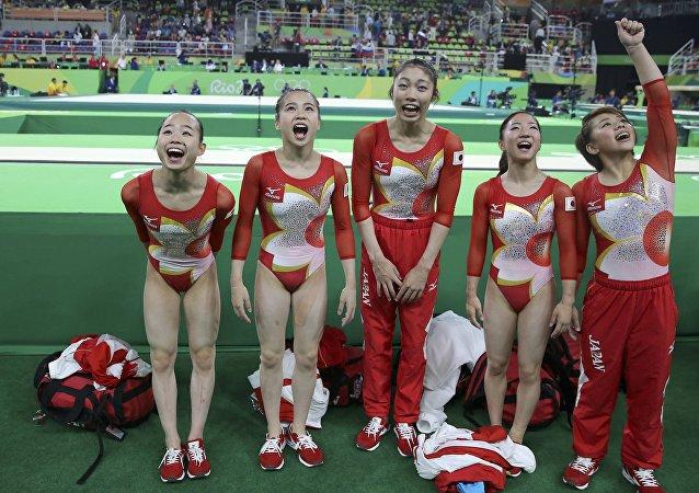 Gimnastas japonesas