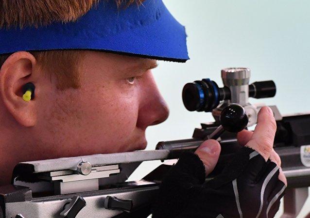 Kirill Grigoryan gana el bronce en 50m rifle tendido masculino en Juegos de Río