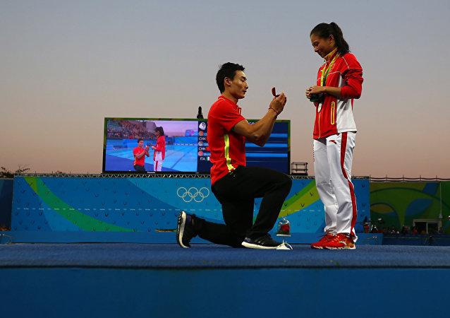 Qin Kai pide la mano de su novia, He Zi