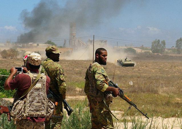Tropas libias apoyadas por EEUU listas para entrar en Sirte, 10 de agosto de 2016