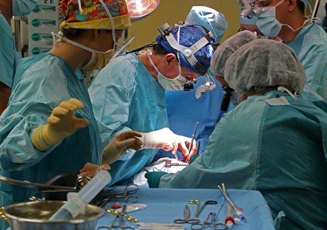 Los cirujanos