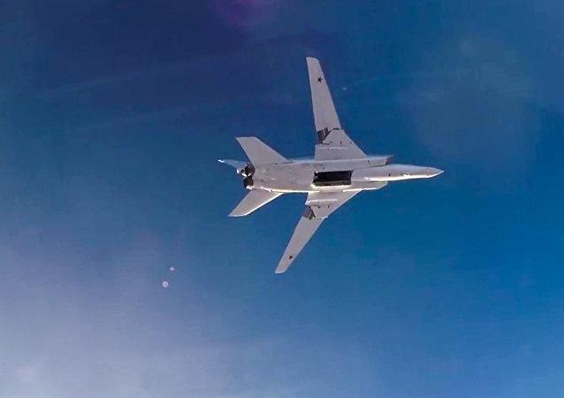 Bombardero ТУ-22М3 sobrevuela Siria