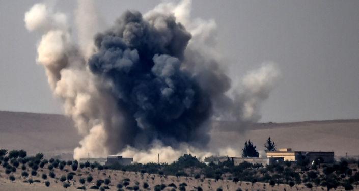 Ataque aéreo sobre la ciudad de Yerabulus