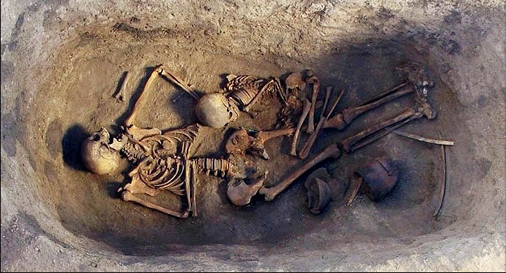 La tumba con numerosos restos arqueológicos