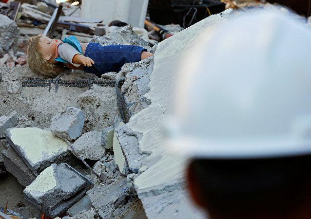 Consecuencias de un terremoto en Italia (archivo)