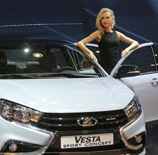 Lada Vesta, coche de la producción rusa (archivo)