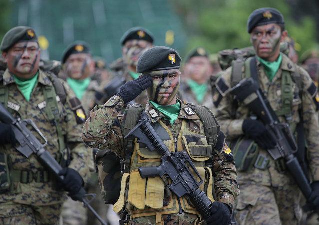 Las tropas filipinas (archivo)