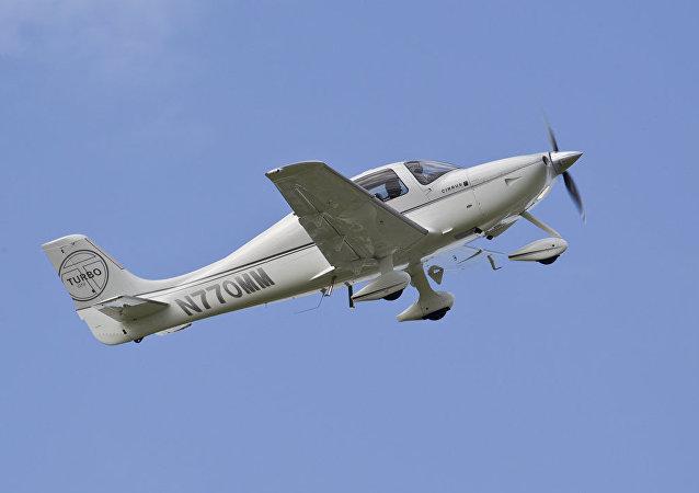 Un Cirrus SR22, avión monoplaza