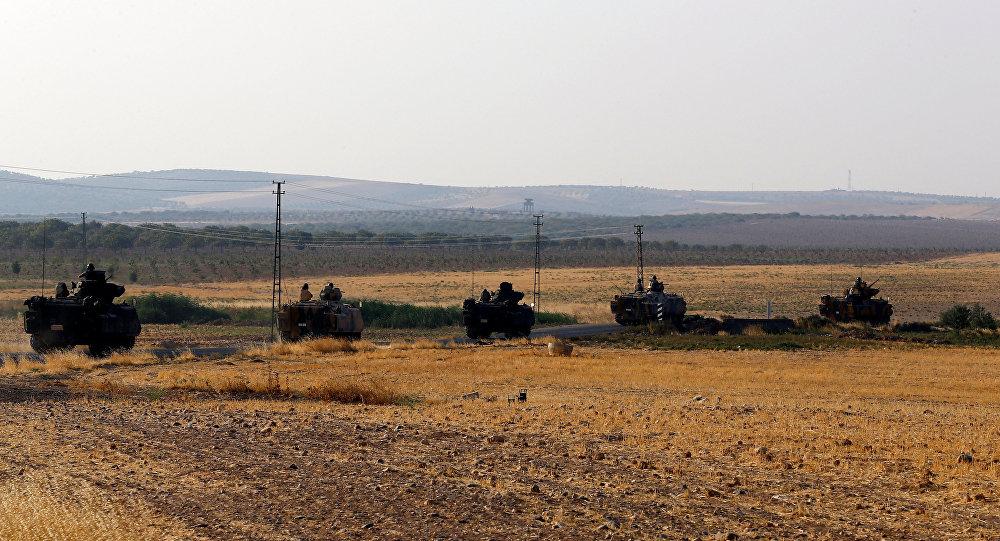 Los vehículos blindados turcos en la frontera con Siria (archivo)