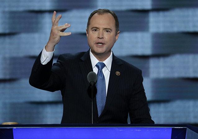 Adam Schiff, miembro de la Cámara de Representantes de EEUU durante su discurso en la Convención Nacional del Partido Demócrata, 27 de julio de 2016