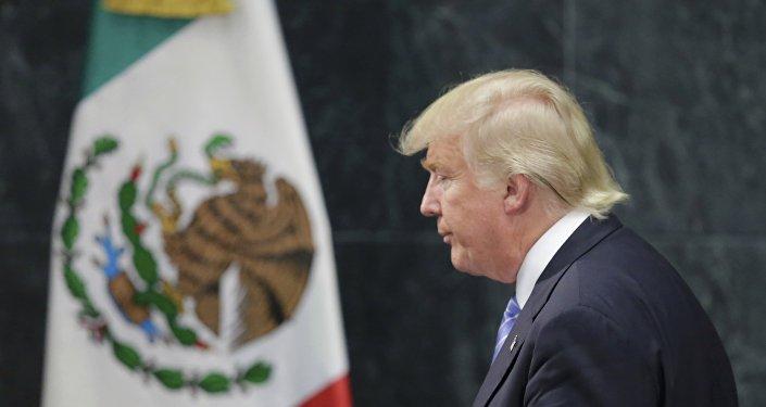 El candidato presidencial de EEUU, Donald Trump, en Ciudad de México