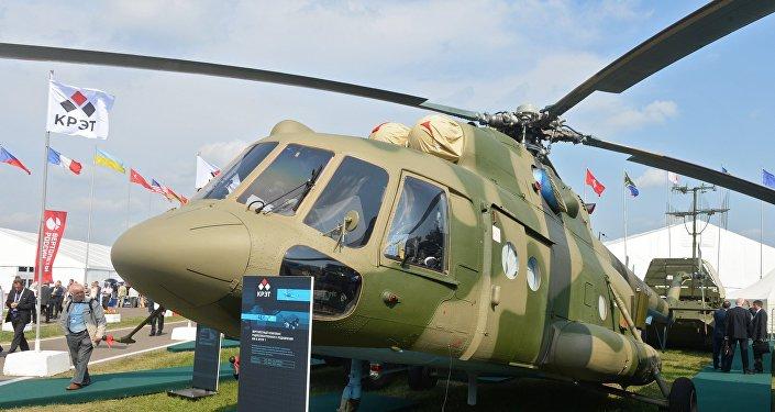 El helicóptero Mi-8 MTPR dotado con el sistema de guerra radioelectrónica Richag-AV (archivo; 2015)