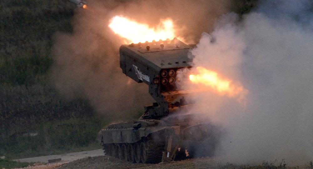 El sistema de lanzacohetes incendiario ruso Solntsepiok