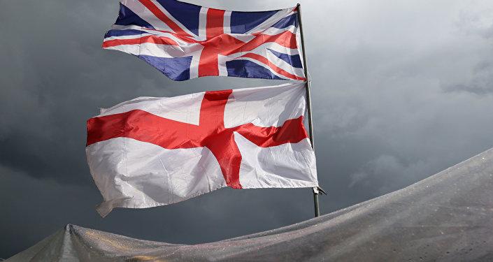 La bandera del Reino Unido y Irlanda del Norte y la bandera de Inglaterra