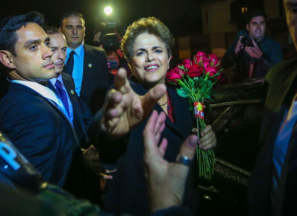 El 6 de septiembre la expresidenta de Brasil Dilma Rousseff, apartada del cargo por decisión del Senado, finalmente abandonó la residencia oficial del jefe de Estado en la capital del país, el Palacio de Alvorada.