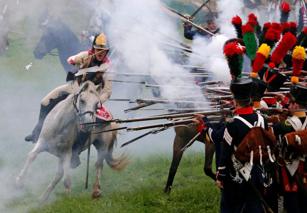 Más de mil participantes y cerca de 30.000 espectadores acudieron al El Festival Internacional de Historia Militar Día de Borodinó, que se celebró el 5 de septiembre.