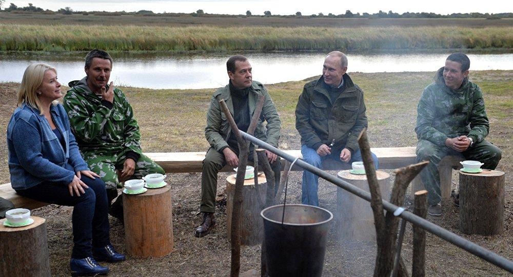 Vladímir Putin, presidente de Rusia, y Dmitri Medvédev, primer ministro de Rusia