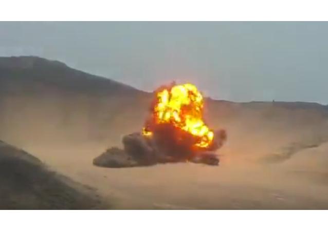 Captura de pantalla de detonación de 1.300 kilogramos de explosivos