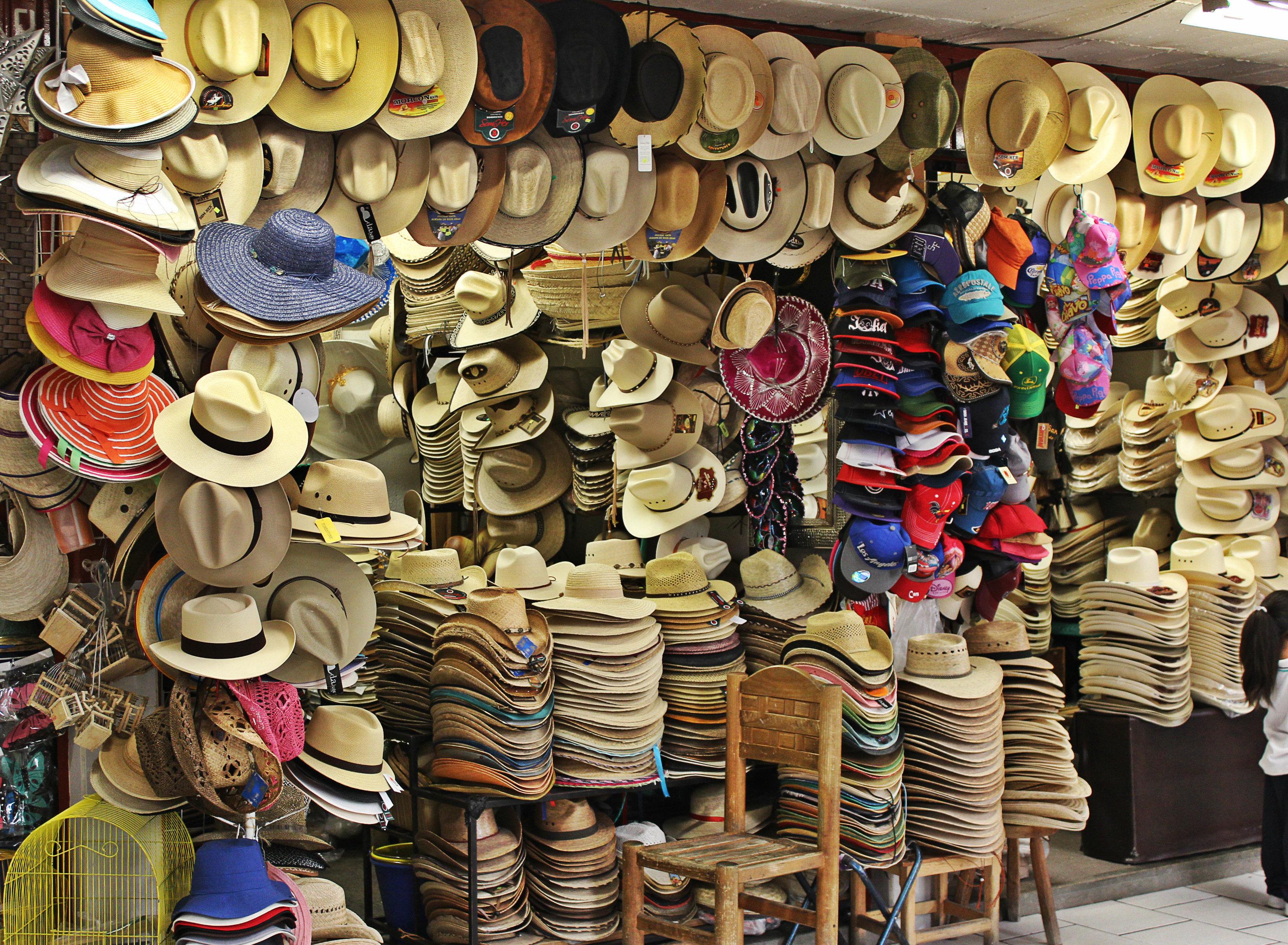 Los sombreros en la tienda 182d2188897