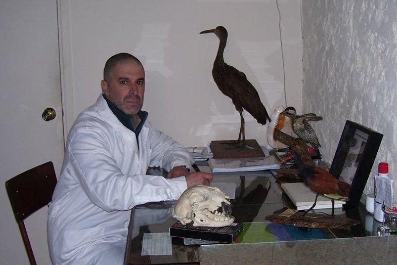 Gerardo Cantou en su gabinete
