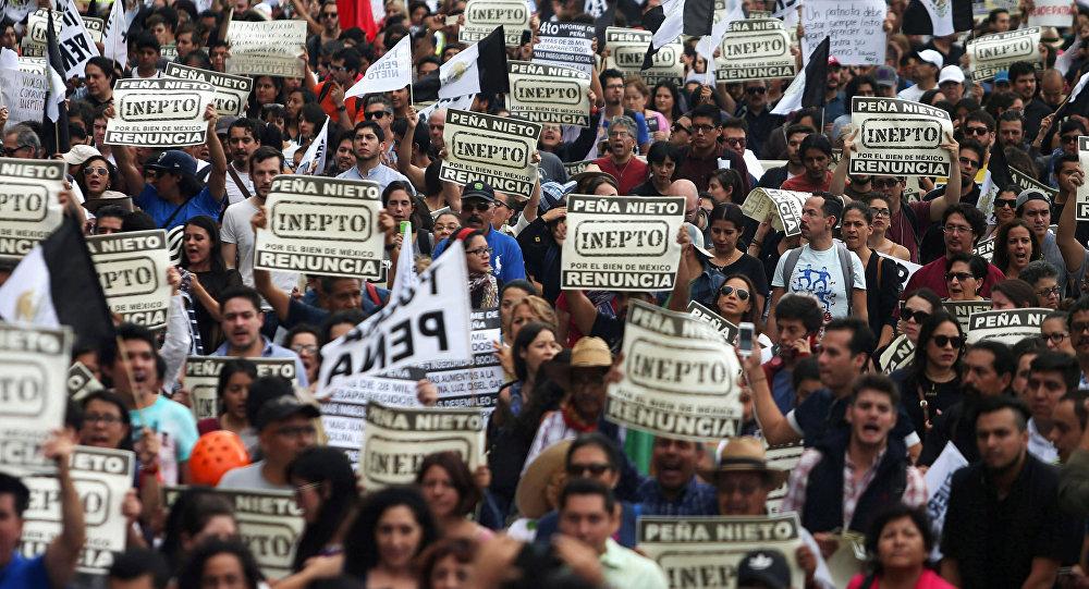 Marcha contra Enrique Peña Nieto, en México