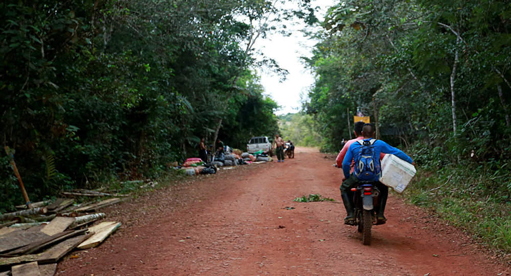 Los integrantes de las FARC llegan a los Llanos del Yarí para participar en la Décima Conferencia