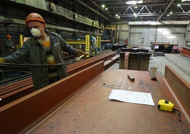 La producción de equipamiento petrolero en una planta de Rusia