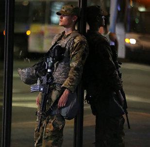 Un miembro de la guardia nacional de EEUU
