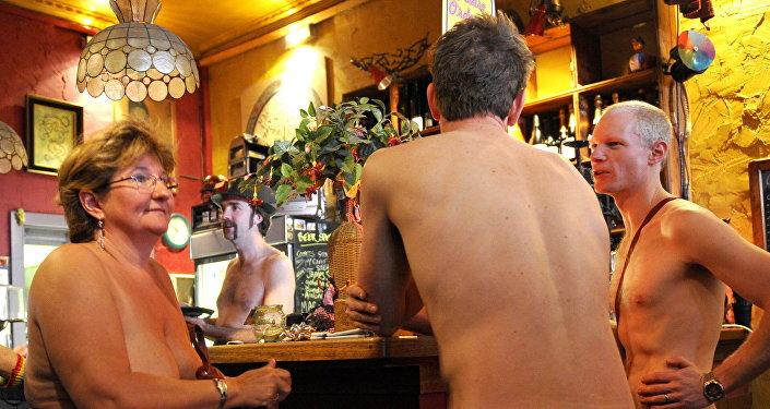Restaurante para nudistas