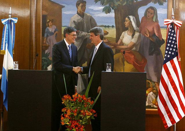 Ministro de Hacienda y Finanzas, Alfonso Prat-Gay y el secretario del Tesoro norteamericano Jack Lew