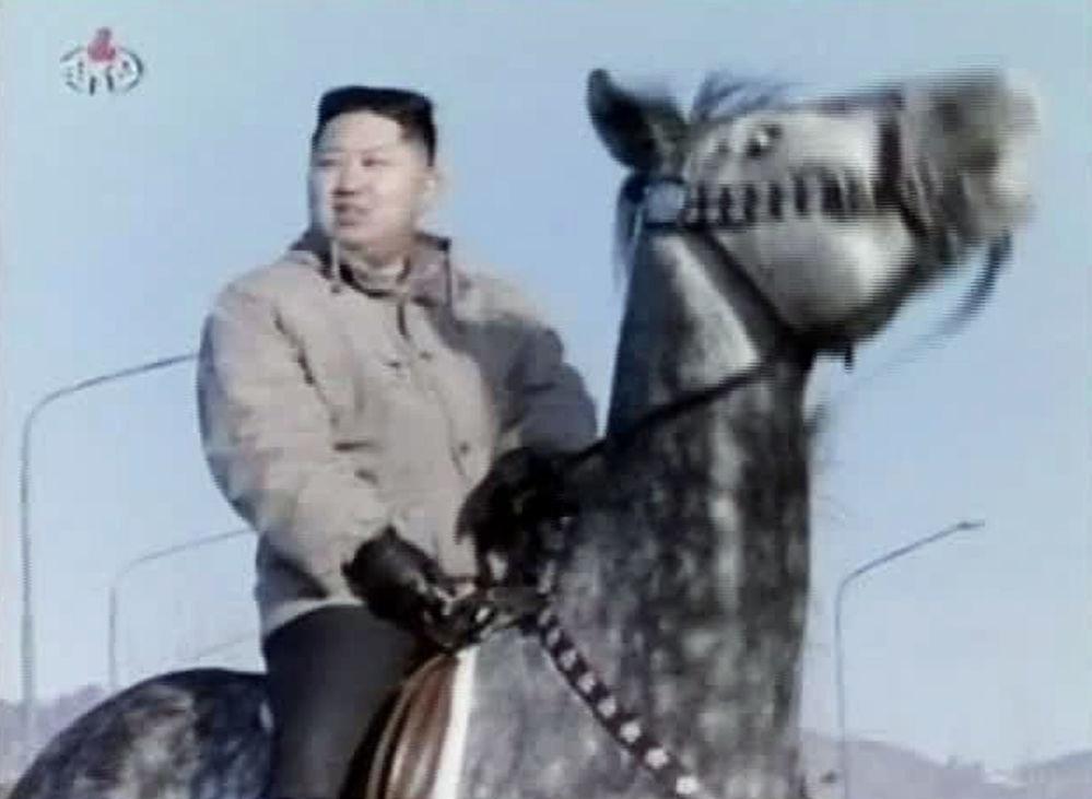 Kim Jong-un, líder de Corea del Norte, monta a caballo