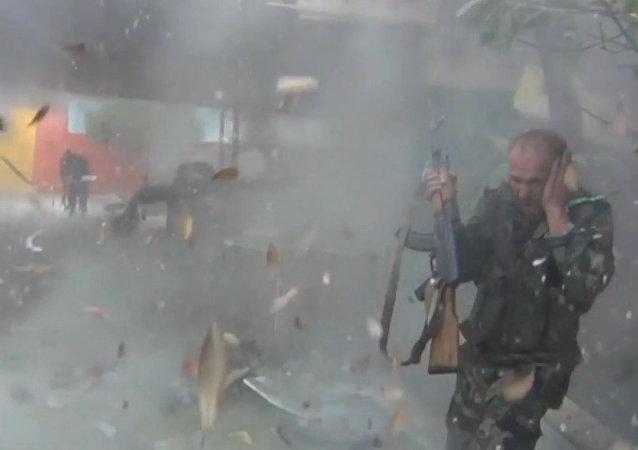 Las fuerzas gubernamentales sirias combaten contra Yeish al Islam en Guta Oriental