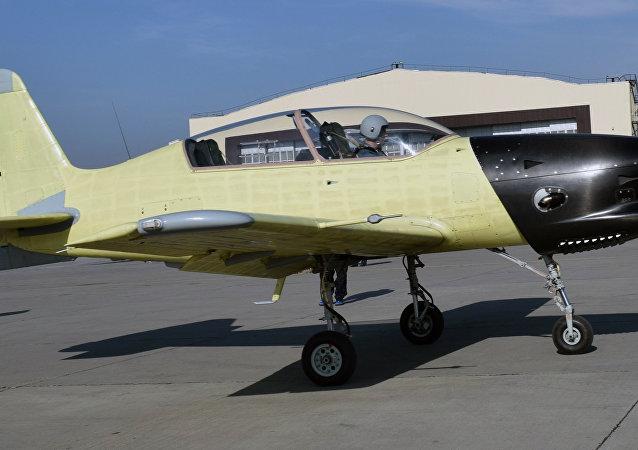 El avión Yak-152