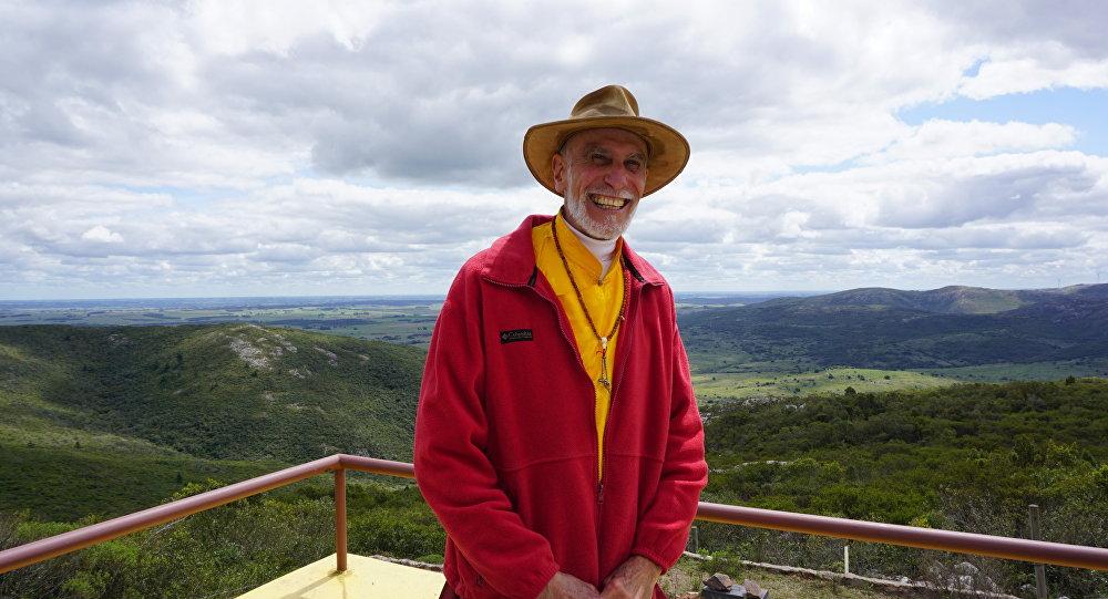 Pema Gompo, instructor del único templo budista de habla hispana en Sudamérica, en Uruguay