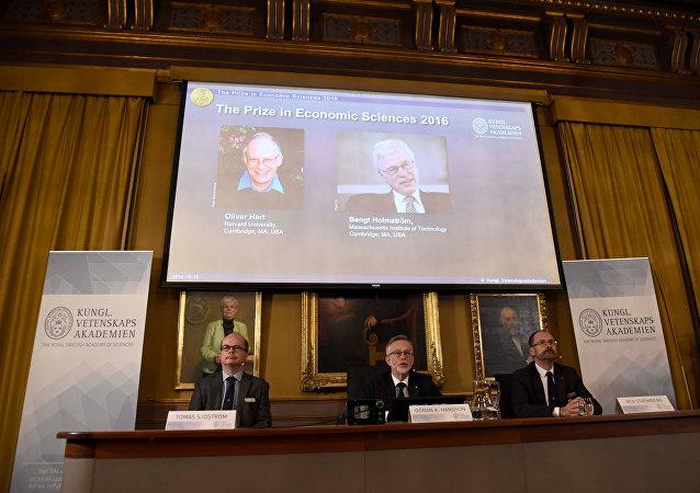 Oliver Hart y Bengt Holmström reciben el Premio Nobel de Economía 2016