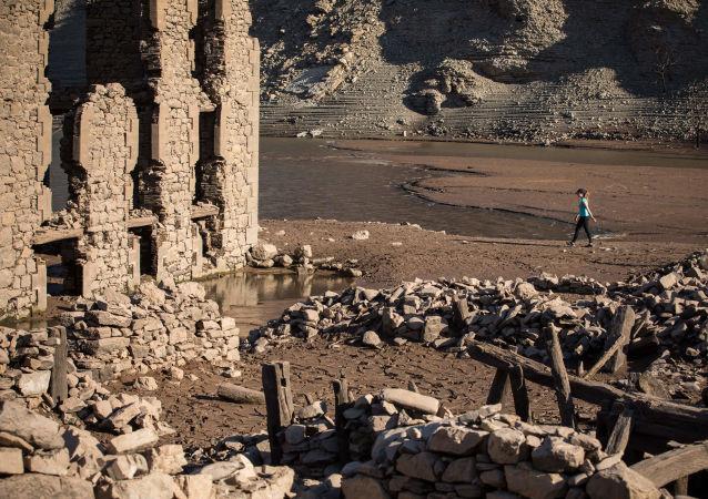 La localidad española de Mansilla de la Sierra emerge tras cinco décadas bajo las aguas