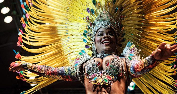 Larissa Loranne Rosa dos Santos Reis, candidata al título de la Reina de Samba