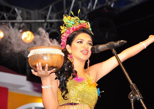 Elección, proclamación y coronación de Reina de Piñas 2010