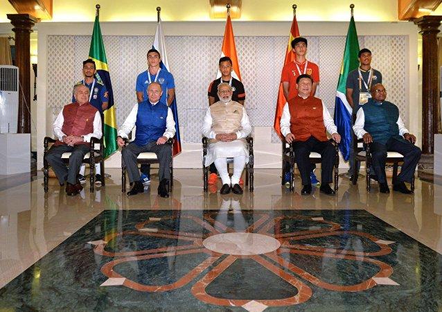 Los líderes de BRICS durante una sesión de fotos