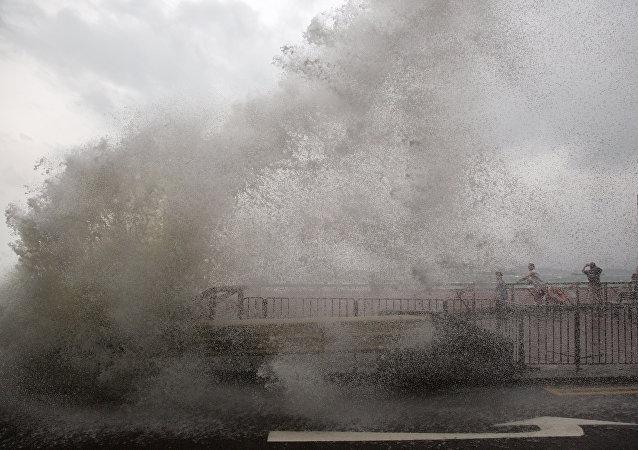 El tifón Haima en Hong Kong