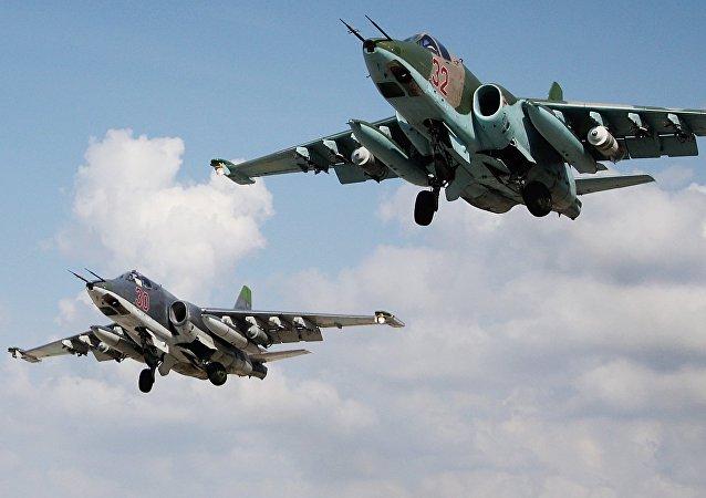 Aviones rusos Su-25 en Siria