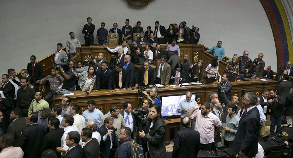 Resultado de imagem para La oposición denunció un golpe de Estado por parte del régimen chavista