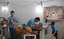 Refugiados sirios trabajan en una taller en la ciudad turca de Gaziantep (archivo)