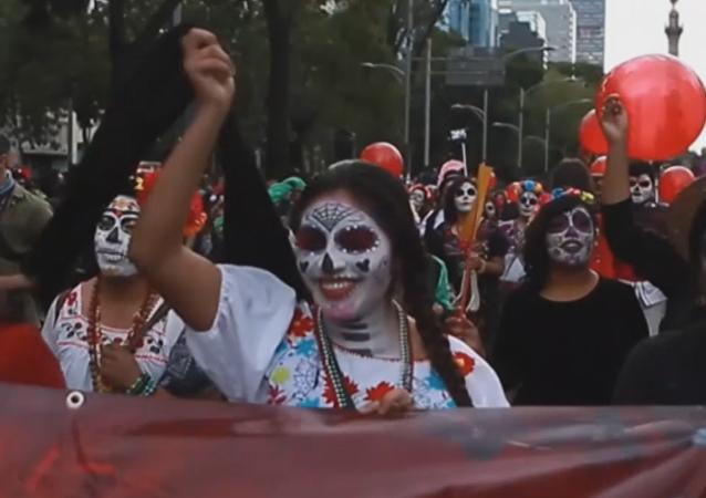 Marcha del Día de los Muertos en México