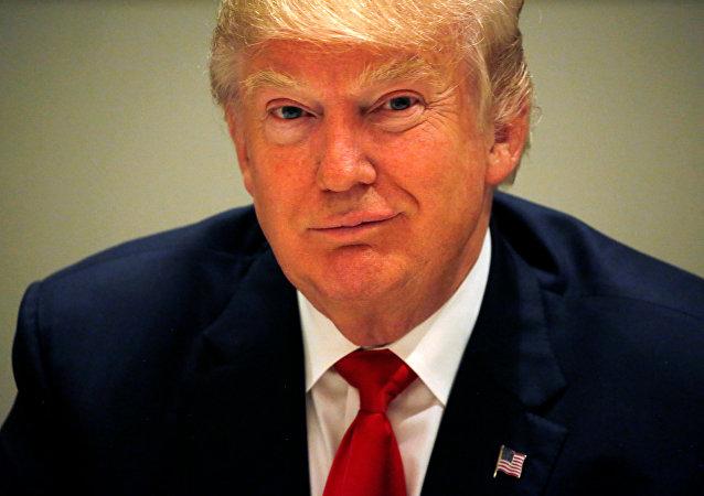 El candidato republicano a la presidencia de EEUU, Donald Trump, durante una reunión