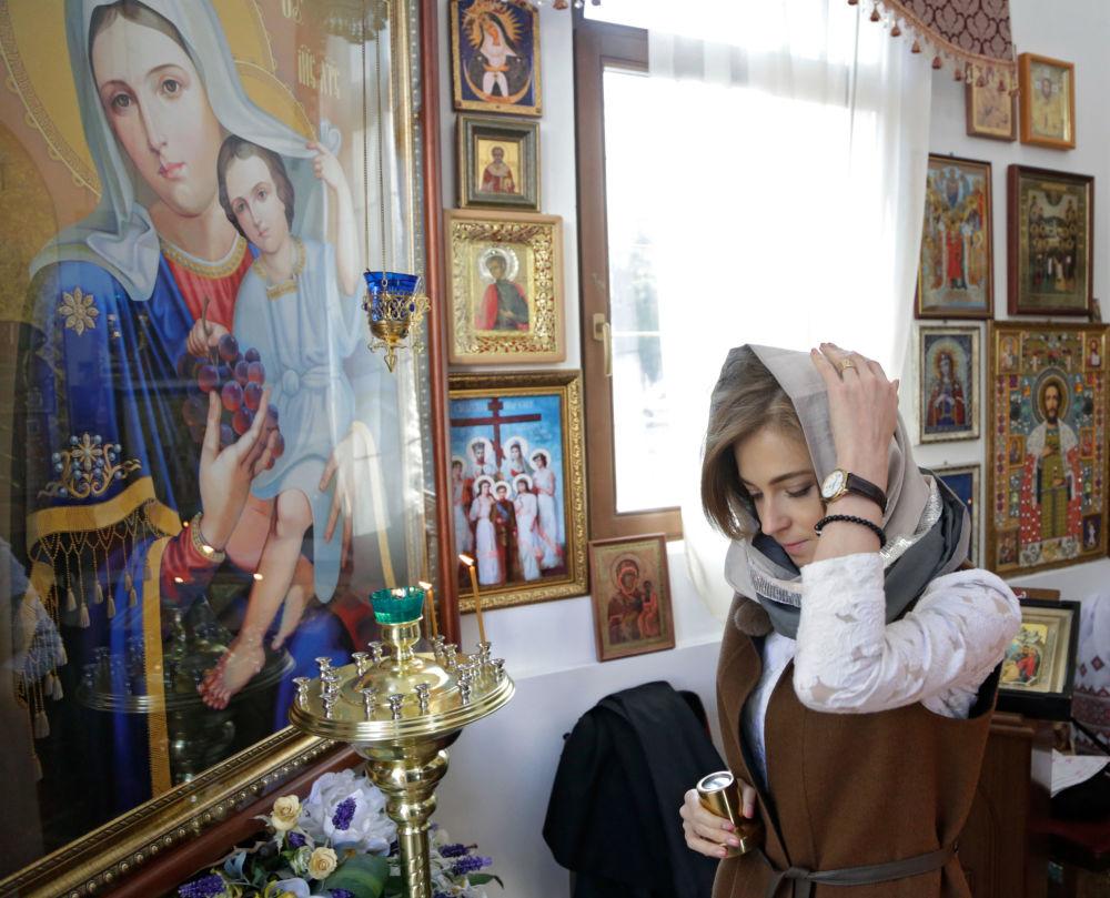 Chicas siberianas con su vestimenta tradicional
