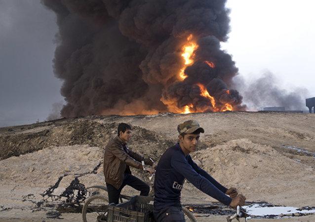 Incendio en una refinería (archivo)