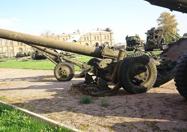 El mortero M-240 de 240 milímetros