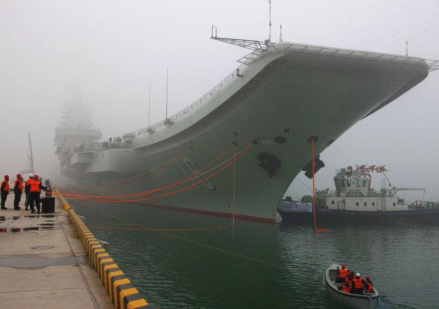 El primer portaviones chino Liaoning